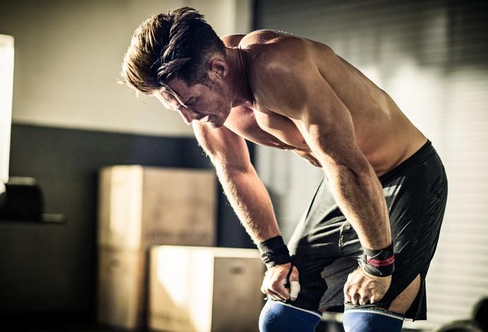 Homem exercício desconforto euatleta (Foto: Getty Images)