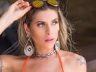 Ana Paula Minerato exibe suas curvas em fotos de biquíni na Paraíba