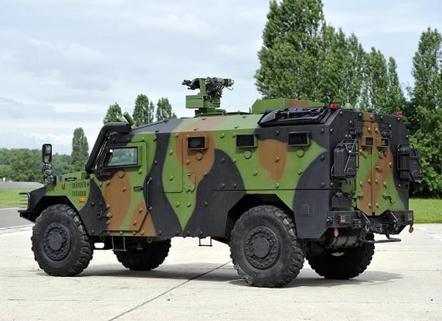 PF pediu que blindado fosse preto e com capacidade para até 10 pessoas (Foto: Renault Trucks Defense)