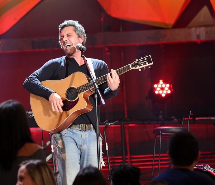 Alexandre Nero canta no programa Altas Horas (Foto: Carol Caminha/Gshow)