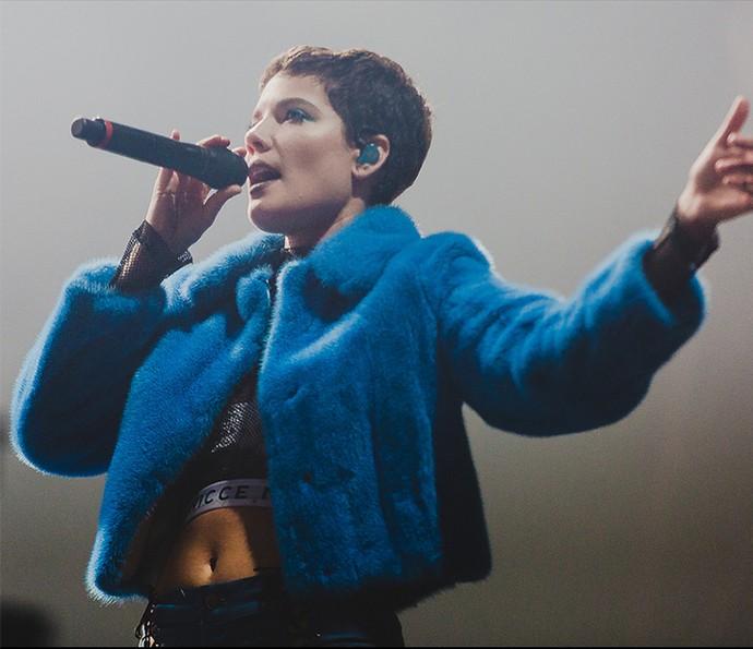 Halsey fez o público cantar junto no Lollapalooza (Foto: Divulgação/Lollapalooza)
