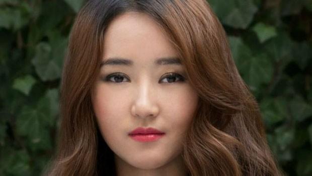 Yeonmi Park foi separada da mãe e vendida por traficantes de pessoas após fugir para a China (Foto: BBC)