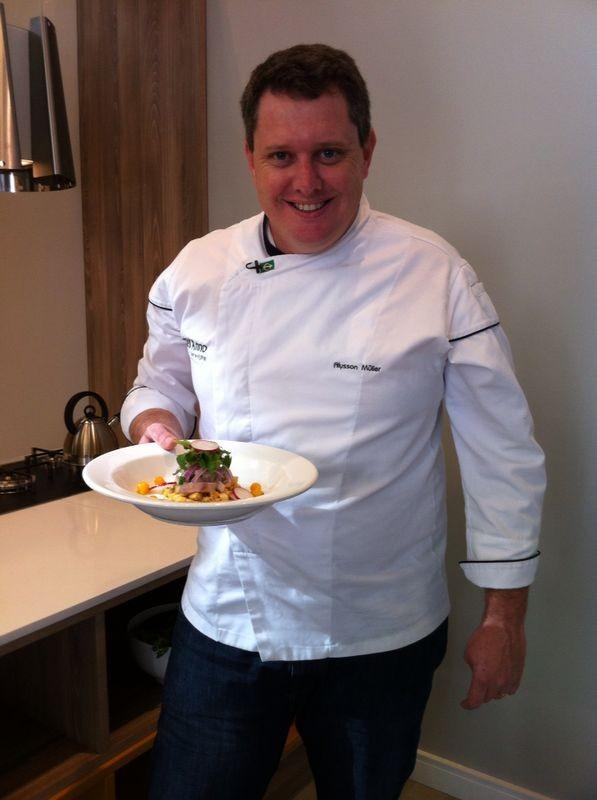 Chef ensina receita de cevice com tainha (Foto: Mateus Castro/RBS TV)