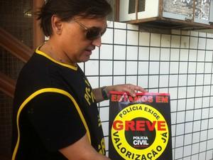 José Renato, diretor do sindicato dos policiais civis de Valadares falou sobre a greve (Foto: Maria Freitas/ G1)