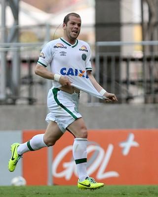 Tiago Luis gol Chapecoense x Bahia (Foto: Felipe Oliveira / Getty Images)