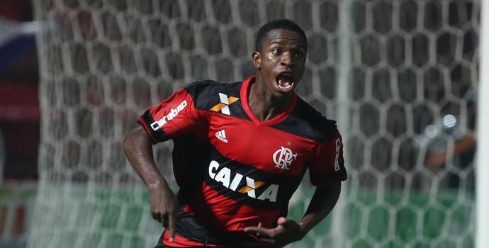 Com gol nos acr�scimos, Fla vence Cruzeiro e vai �s quartas da Copinha