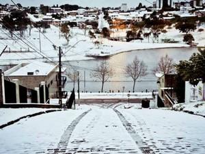Paisagem em Guarapuava ficou ainda mais bela com a neve  (Foto:  Gallo / VC no G1)