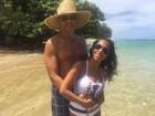 Samantha Schmütz comemora seis anos de casamento no Havaí