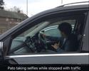 Ainda sem estrear, Pato tira selfie com Fábregas no trânsito de Londres