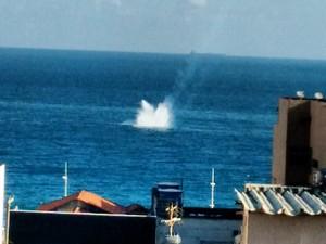 [Brasil] Morre piloto de avião que caiu no mar em Salvador, diz assessoria da FAB Aviao_queda_1