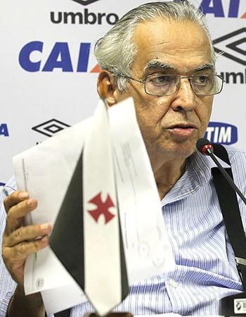 Eurico Miranda Coletiva Vasco (Foto: Marcelo Sadio / Vasco.com.br)