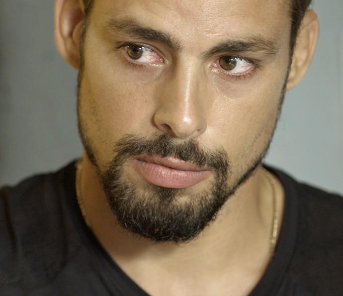 Juliano escuta pedido de perdão de Tóia (Foto: TV Globo)