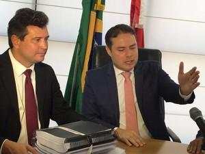 Projeto foi entregue ao ministro nesta segunda-feira (23) (Foto: Carolina Sanches/G1)