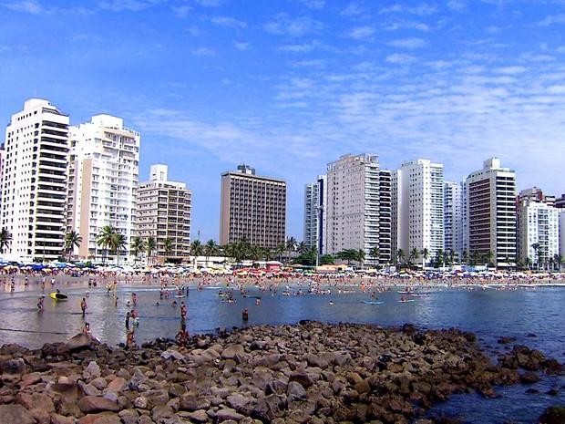 Praia das Astúrias em Guarujá, SP (Foto: Reprodução / TV Tribuna)