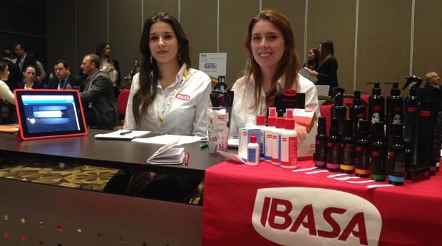 Diana e Shana, da Ibasa: nova tentativa de exportação depois de problemas com distribuidor (Foto: Priscila Zuini)