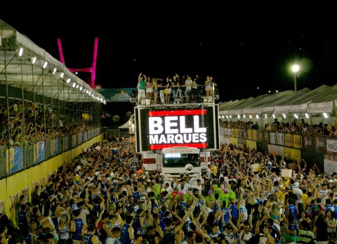 """""""Bota fogo na minha vida"""". Bell relembra sucesso antigo do Chiclete com Banana (Foto: Augusto César Gomes/Gshow)"""