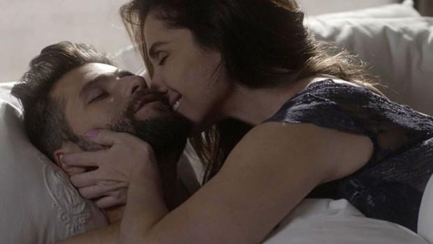 'Sol': Mario e Alice têm primeira noite de amor  (TV Globo)