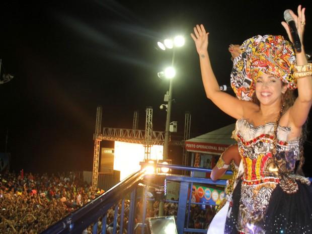 Daniela Mercury arrasta multidão com Ilê Ayê no circuito Barra-Ondina em Salvador (Foto: Wesley Costa / AgNews)