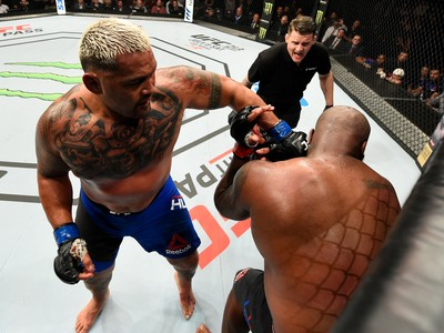 Mark Hunt x Derrick Lewis UFC Auckland (Foto: Getty Images)