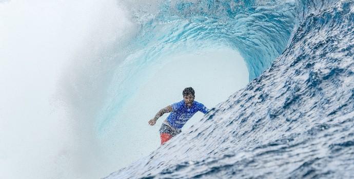 Ítalo Ferreira avança para a terceira fase no Taiti (Foto: WSL)
