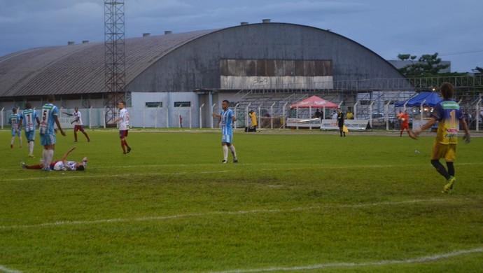 Vilhena e Ji-Paraná no estádio Portal da Amazônia (Foto: Jonatas Boni)
