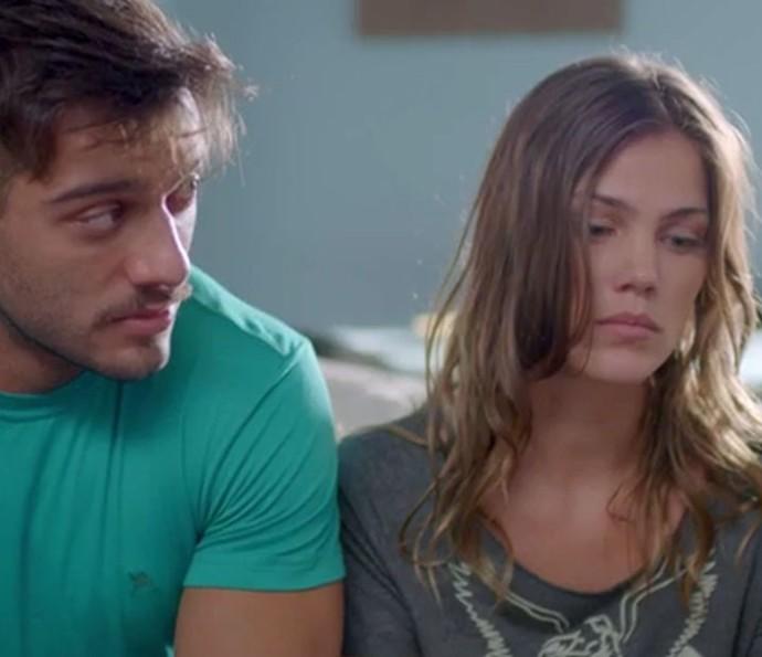 Alina briga com Monique e Uodson aconselha a sogra (Foto: TV Globo)