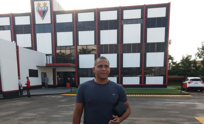 Walter, atacante do Goias (Foto: Sebastião Nogueira/O Popular)