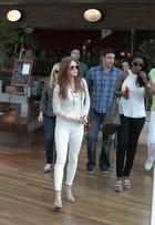 Look do dia: Marina Ruy Barbosa usa calça colada e visual todo branco