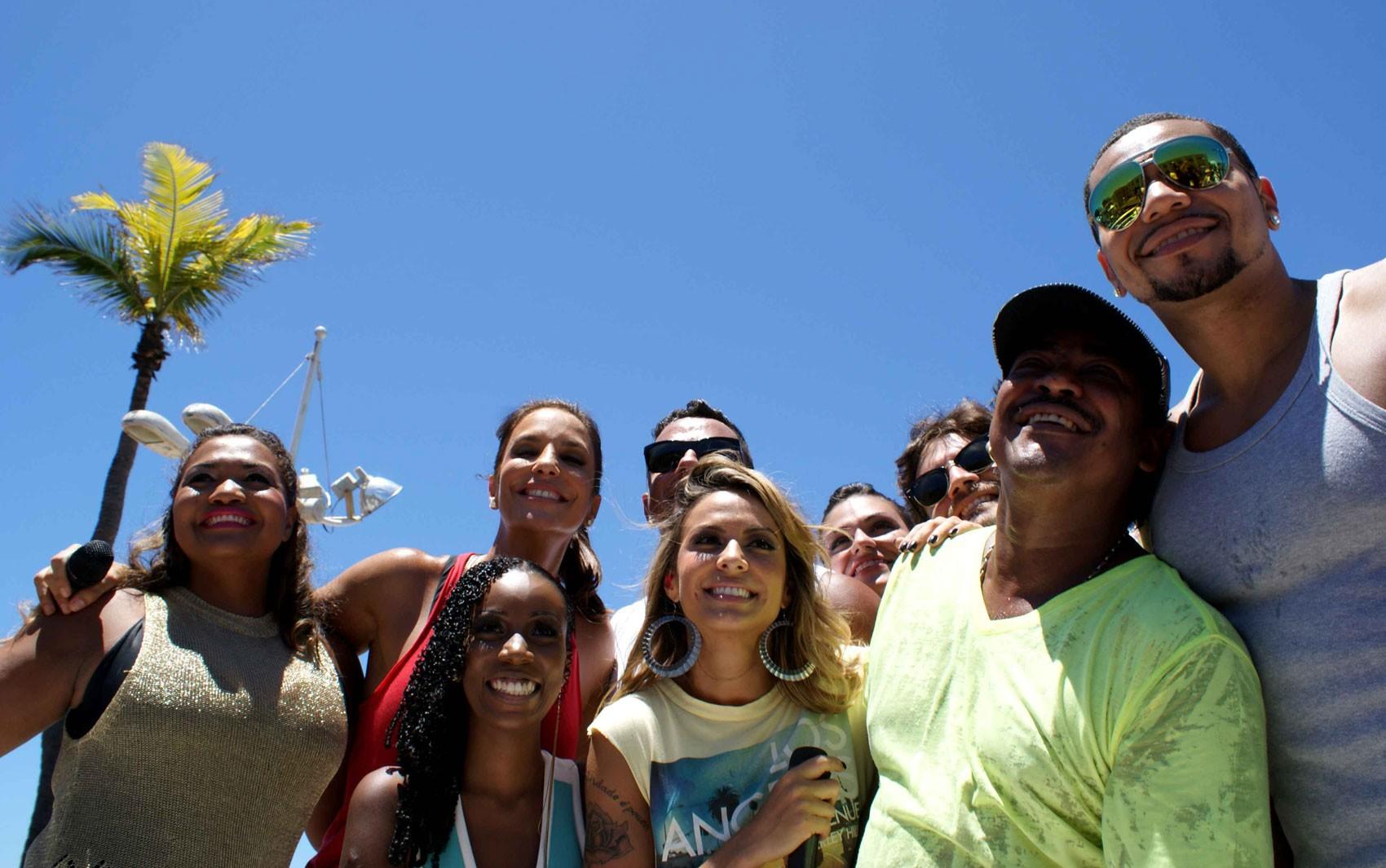 Artistas no arrastão de Ivete (Foto: Egi Santana/G1 BA)