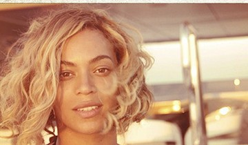 Beyoncé postou esta foto em seu Twitter e provou que é muito mais do que maquiagem e Photoshop (Foto: Instagram)