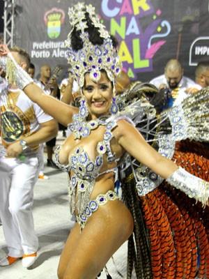 Paola Serpa Severo, rainha da bateria da escola de samba Imperatriz Dona Leopoldina (Foto: Nilveo Pereira/LIESPA)