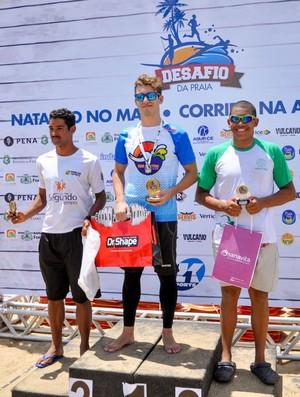 Pódio masculino Desafio da Praia Fortaleza (Foto: Divulgação)