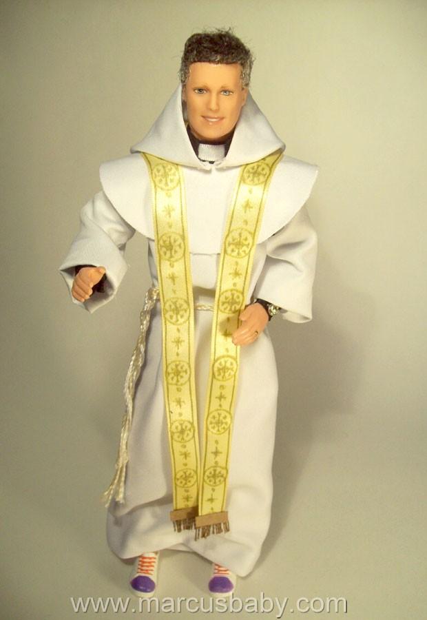 Boneco de Padre Marcelo Rossi (Foto: Divulgação)