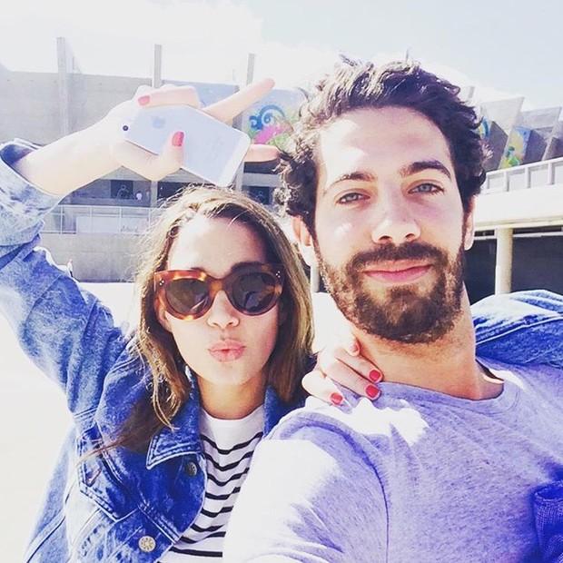 Os noivos Amy Terry e Basil Mavroleon (Foto: Instagram/Reprodução)
