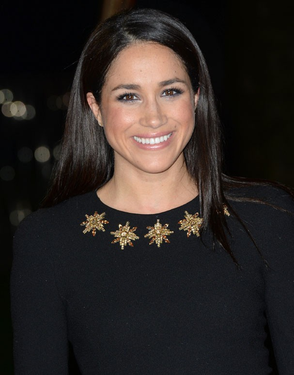 "LONDON, UNITED KINGDOM - NOVEMBER 11: Meghan Markle attends the UK Premiere of ""The Hunger Games: Catching Fire"" at Odeon Leicester Square on November 11, 2013 in London, England. (Photo by Zak Hussein/Getty Images) (Foto: Getty Images)"