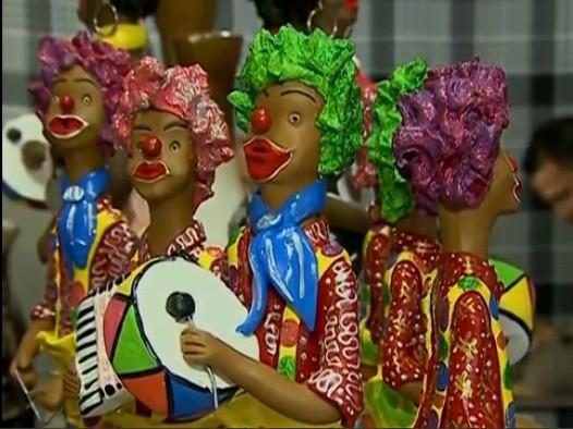 Trio de forró de palhaços é peça inusitada de artesão (Foto: Reprodução/ TV Asa Branca)