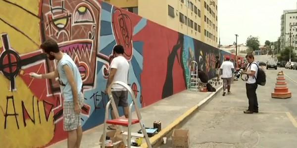 Resende recebeu 1ª Intervenção de Arte Urbana (Foto: Reprodução RJTV 1ª Edição)
