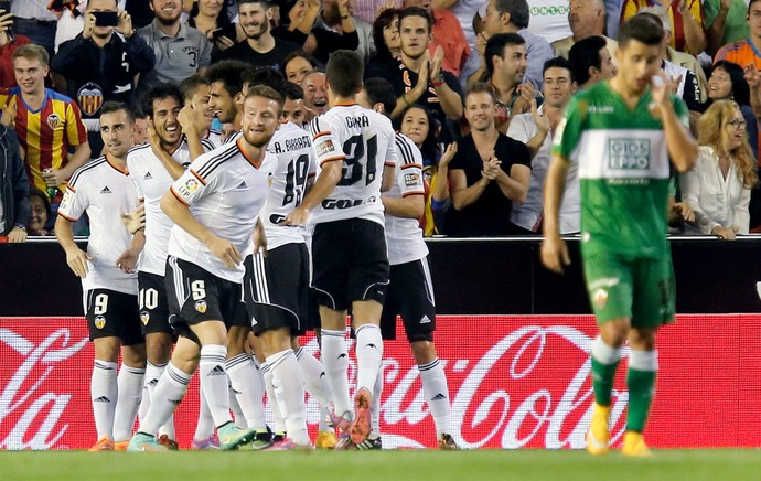 Valencia comemora gol contra o Elche (Foto: EFE)