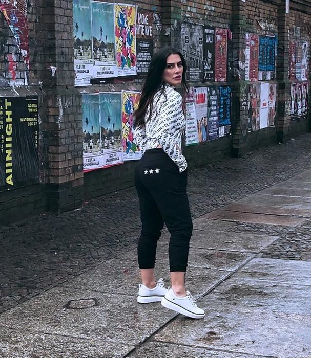 Cleo Pires fotografa campanha (Foto: Instagram/Reprodução)