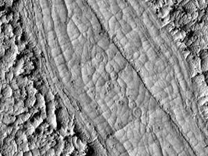Imagem da Nasa mostra marcas de lava vulcânica em Marte (Foto: AFP/BBC)