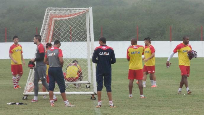 Jogadores do América-RN  (Foto: Jocaff Souza/GloboEsporte.com)