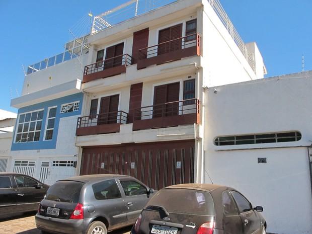 Edifício na 703 Sul (ao centro) onde ocorreu o crime na madrugada desta sexta-feira (27) (Foto: Rafaela Céo/G1)