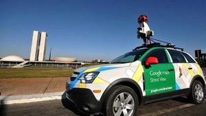Google Street View faz mapeamento em Brasília. Nesta terça-feira (6), um carro passou em frente ao Congresso Nacional. (Foto: AFP)