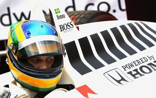 Em 2009, Bruno pilotou a McLaren que tio Ayrton Senna foi campeão mundial, em festival na Inglaterra (Foto: Getty Images)