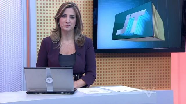 Melissa Paiva apresentando o Jornal da Tribuna (Foto: Reprodução/TV Tribuna)
