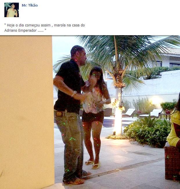 Adriano festa Mc Tikão Facebook (Foto: Reprodução / Facebook Oficial)