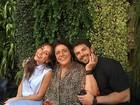 Sabrina Sato posa com a sogra e namorado em almoço 'família' no Rio