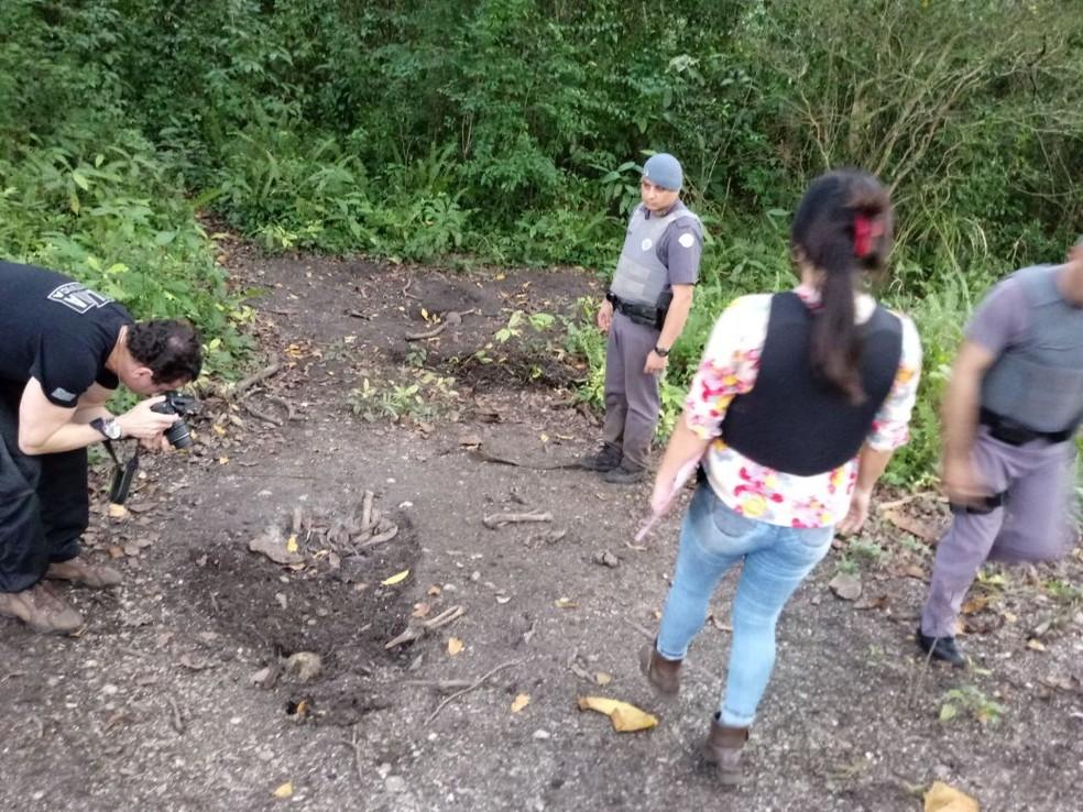 Ossadas foram encontradas pela polícia (Foto: Divulgação/Polícia Ambiental)