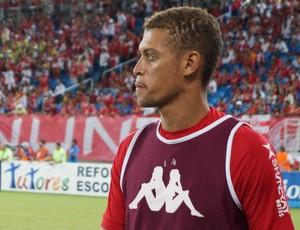 Lázaro - zagueiro do América-RN (Foto: Augusto Gomes/GloboEsporte.com)