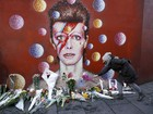 David Bowie: fãs homenageiam com flores e velas em Londres e Berlim